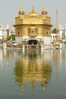 De gouden tempel in Amritsar. Het mekka van de Shiks.