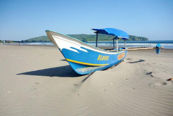 Op het strand van Pangandaran