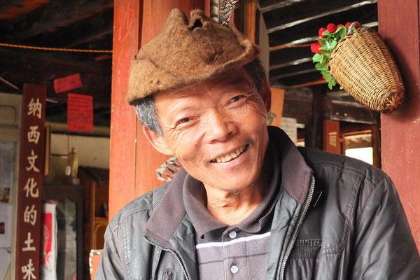 Naxi man in Baisha