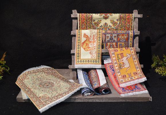 Tafel / kraam met tapijten