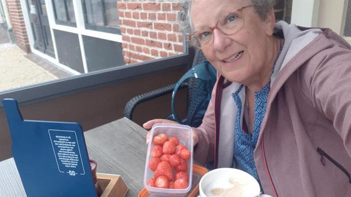 Ik had heerlijke aardbeien van mijn zus mee gekregen Echt jammie!