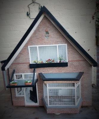 Dick Roelofs, bouwde zijn eigen huis na!
