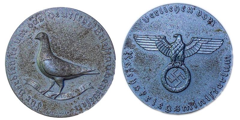 """Medaille des Reichskriegsministeriums für Verdienste um das Deutsche Brieftaubenwesen """"Allzeit Flugbereit"""""""