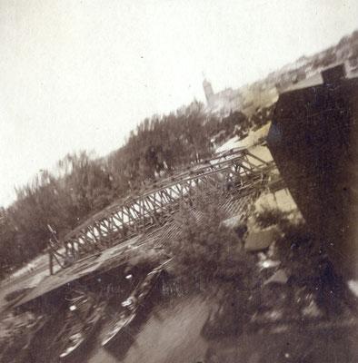 Eiserne Brücke, Spandau (um 1908) - Die Brieftaubenaufnahme zeigt die Eisenbahnbrücke über die Havel bei Spandau (heute Berlin-Spandau). © SDTB / Historisches Archiv, Nachlass Julius Neubronner