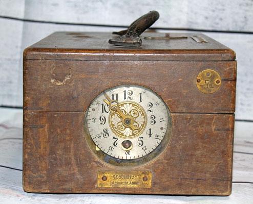 Vereinsuhr, der Firma Benzing, 1905 - wurde später auch als Uhr für einzelne Züchter genutzt