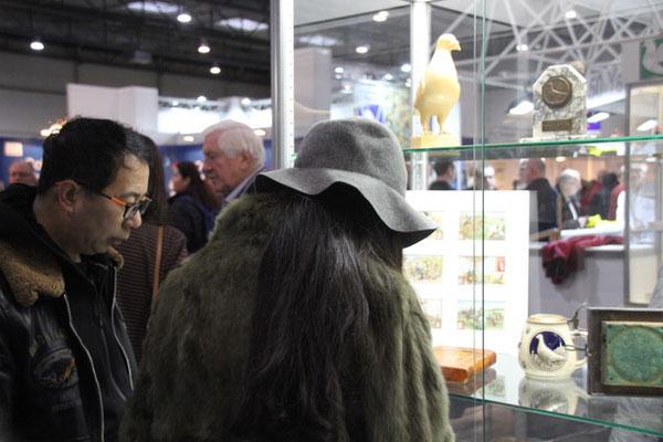 Auch Besucher aus Fernost interessieren sich für die Geschichte des gemeinsamen Hobbies!