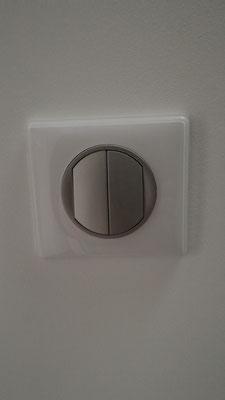 interrupteur sans fil enjoliveur titane gamme céliane de chez legrand