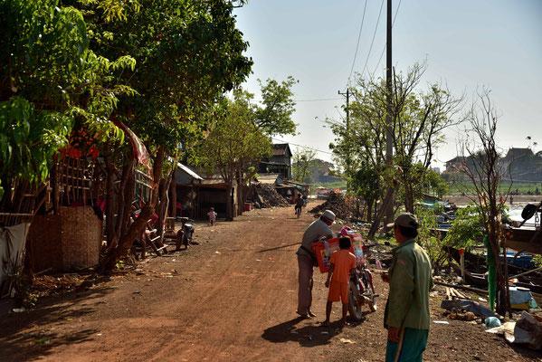 Dorfstraße in Kampong Chhnang