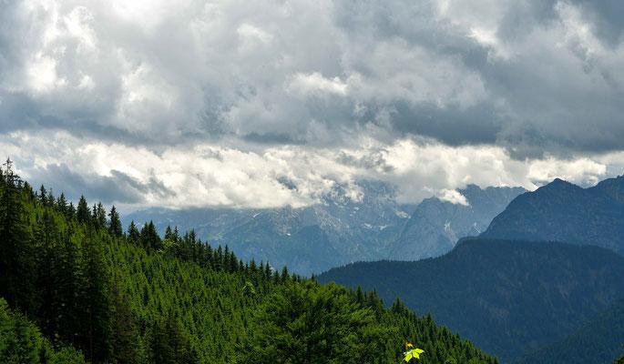 Wetterstein in Wolken
