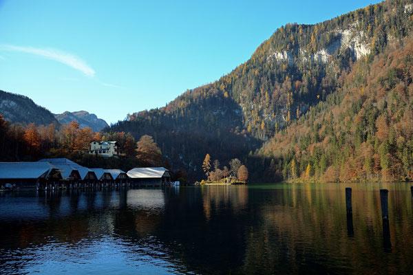 Am Königssee mit den Bootshäuser