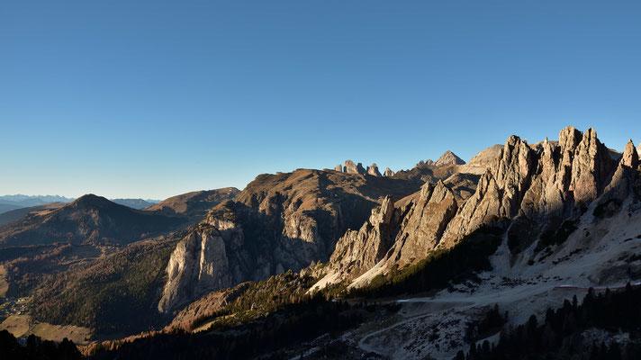 Alpenglühen von den Cir Spitzen bis zu den Geisler Spitzen