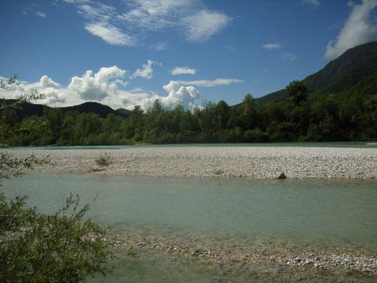 Am Flussbett Soca