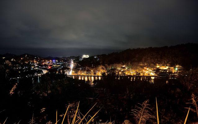 Kandy bei Nacht