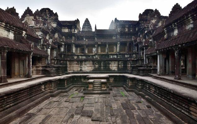 Im Kloster Von Angkor
