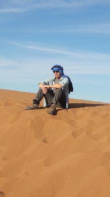 Auf Wüstentrekking in der Sahara
