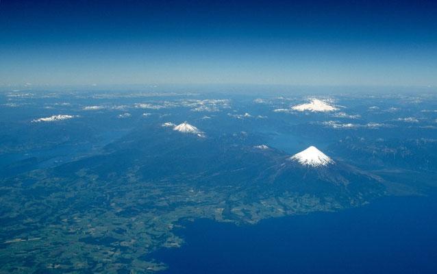 Beim Flug von Santiago de Chile nach Punta Arenas bekommt man einen ersten Blick auf die Chilenische Schweiz
