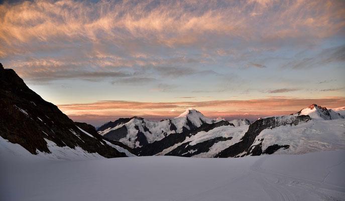 Das Aletschhorn in der Morgenröte