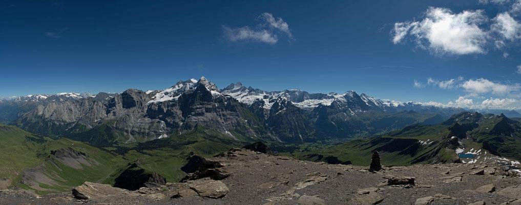 Panorama auf dem Gipfel des Schwarzhorn