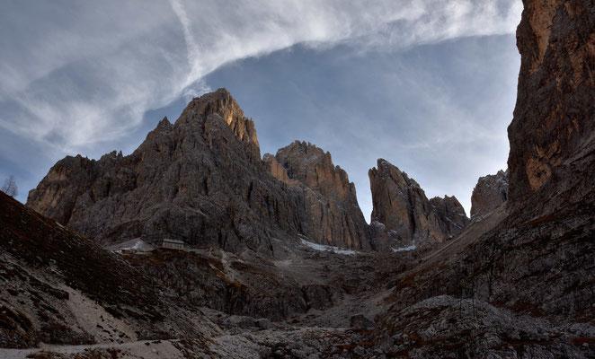 Die Langkofelhütte unter der Grohmannspitze