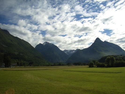 und hinein in die tolle slowenische Landschaft