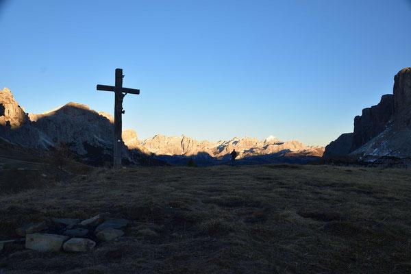 Grödner Panorama mit dem Kreuz vom Bustac