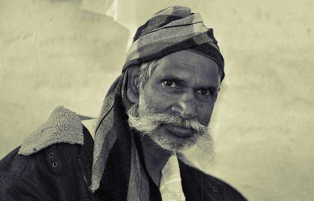 Ein alter Singhalese