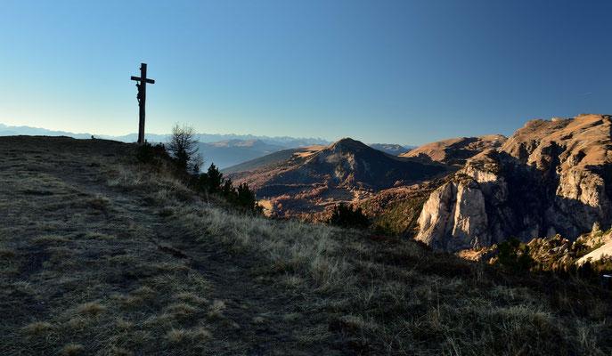 Das Kreuz vom Bustac vor dem Grödner Tal