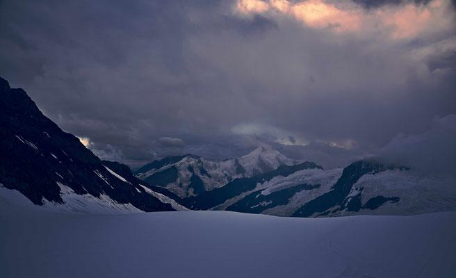 Das Aletschhorn in der Abenddämmrung