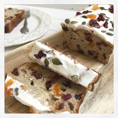 Cranberry blondie cake