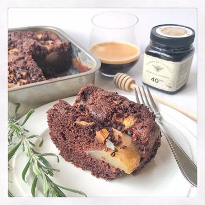 Chocolade cake met peer