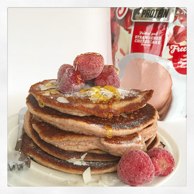 Strawberry cheesecake pannenkoeken