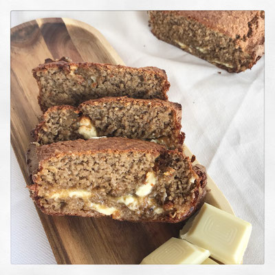 Witte chocolade bananenbrood