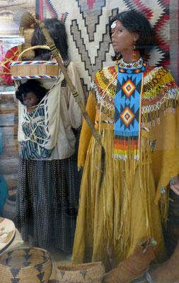 Changing Woman Ceremony Apache        Ritualkleid       COPYRIGHT: Thomas Merbt