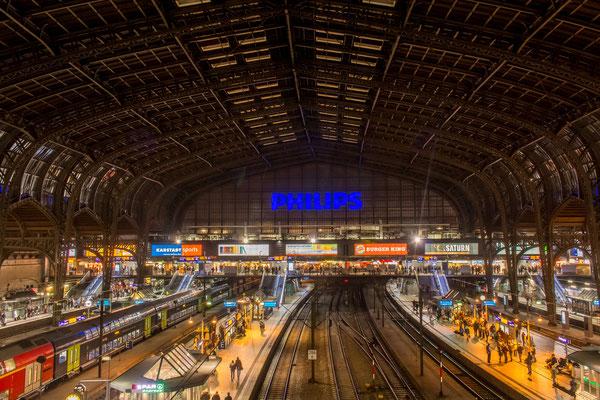 Der Hauptbahnhof zu später Stunde