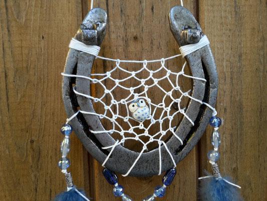 Das Glücksfängernetz mit Eulenperle aus Porzellan