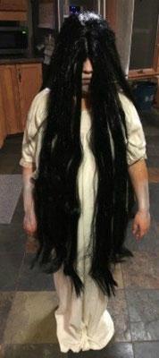 これは大人用のロン毛かつらでさだこになりました