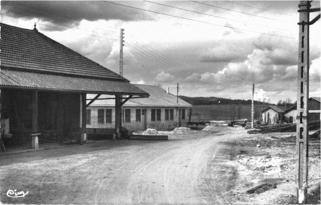 Le Balmay: Hangar Communal et bâtiment Juralp