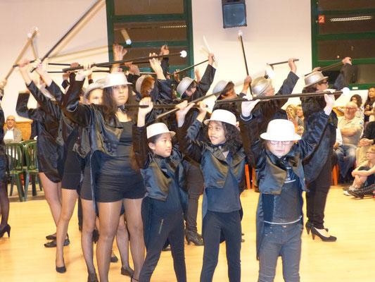 Danse Lido par le groupe inter-générations