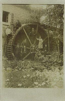 Le Moulin: la roue du moulin
