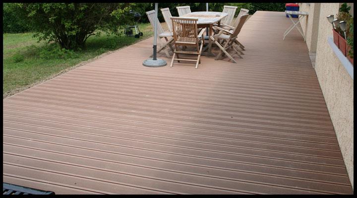 Terrasse composite 75% de bois grantie constructeur 25 ans MILLE ESPACES VERTS