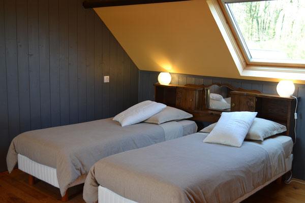 Suite familiale Le Grenier, deux lits twins pouvant former un lit double queen size