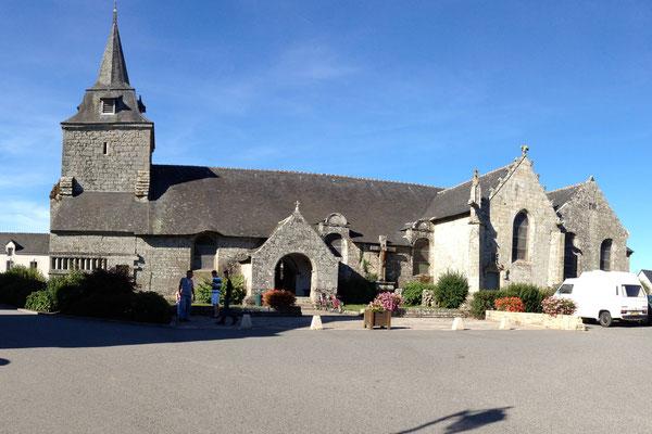 L'Eglise Saint-Pierre dans le bourg de Ploërdut