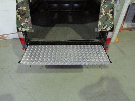 ハイラックス アルミ縞板カバー製作例