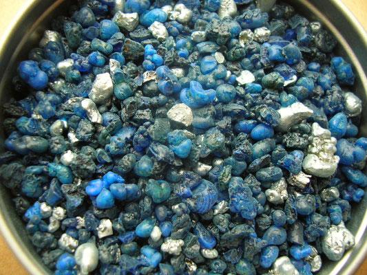 """""""Farbweihrauch blau & silber"""" - mit blauer und silberner Farbe eingefärbtes Olibanum gemischt!"""