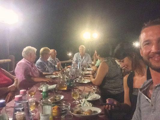 Essen mit Herberts Gruppe