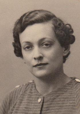 Julie en 1942
