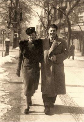 Julie met Yūnus Baḥrī in Berlijn (maart 1940)