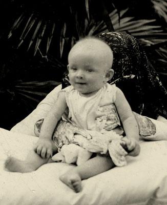Julie âgée de cinq mois (1903)