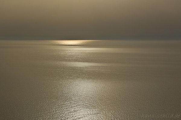 wenn die Sonne im goldenen Meer versinkt