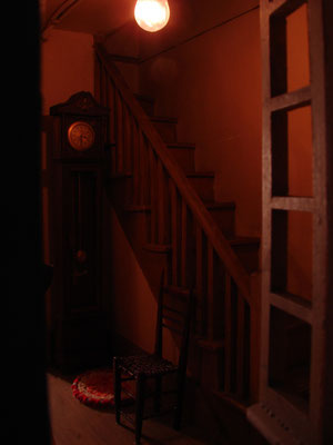 Musée des Soeurs de Miséricorde : Prise de vue de l'intérieur d'une maquette. Photo sous-exposée